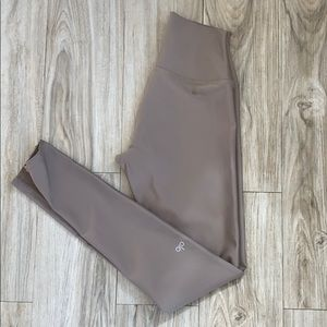 Alo yoga airlift leggings Small, gravel